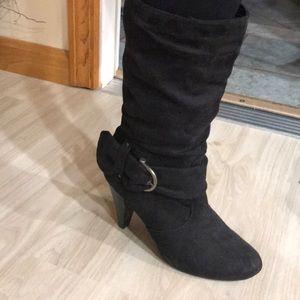 Black suede heeled boots size 8 apt 9